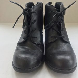 Diba Shoes - Black Diba laced up booties